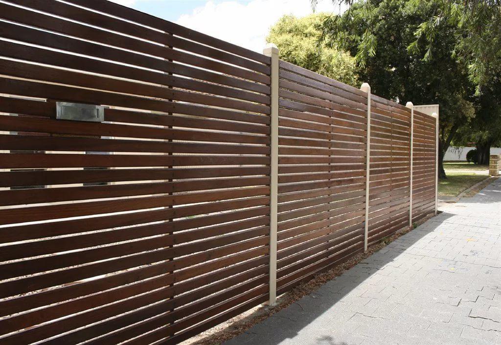 Деревянный забор - горизонтальный штакетник