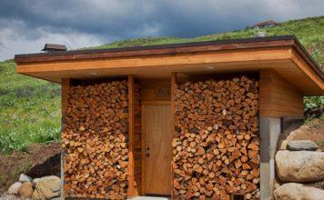 Навес с дровами