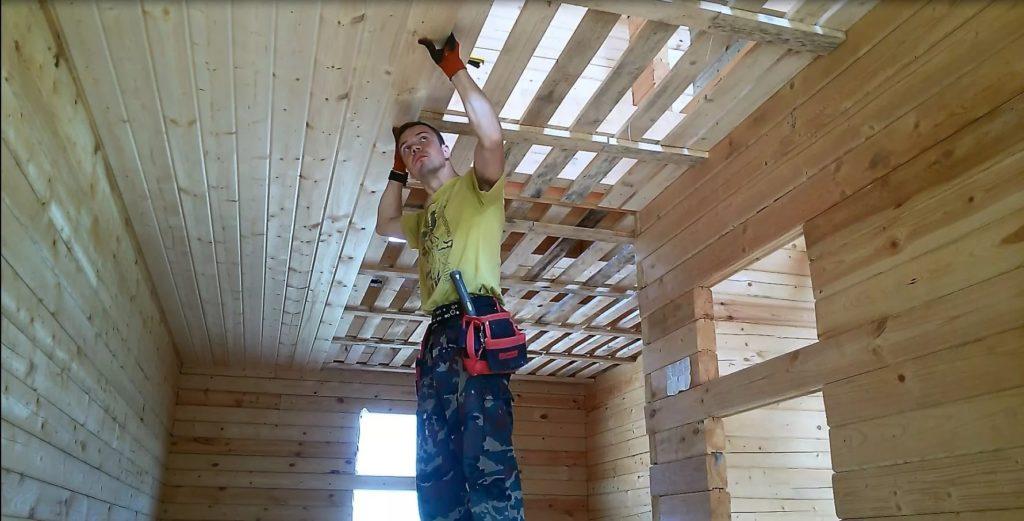 увеличить высоту потолка в деревянном доме
