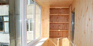 деревянний балкон