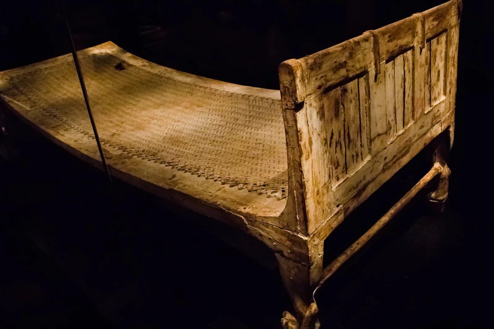 Кровать в древние времена